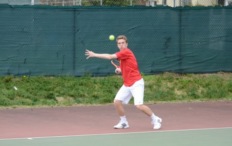 Boys Tennis struggles in doubles, shines in singles during first week of play