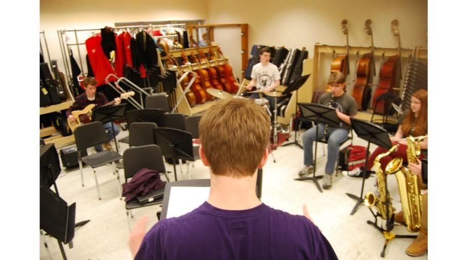 Led by Senior EJ Canny, the pit band of 'Footloose' is a fine example of great playing and groovy tunes.