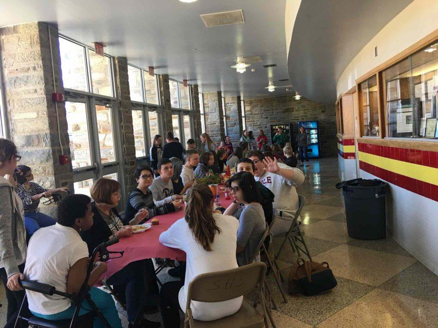 Best Buddies Club Welcomes New Chapter To The High School In Annual Thanksgiving Feast