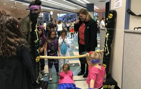 Seniors Get Spooky with Halloween Carnival