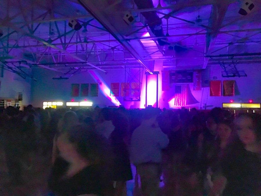Haverford+High+School+students+dance+in+the+Juenger+Gymnasium+on+homecoming+night.++