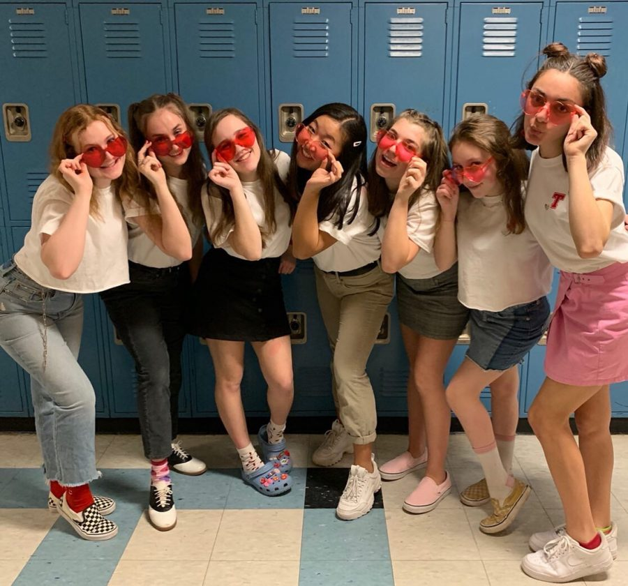 Chorus Students Deliver 35th Annual Singing Valentines